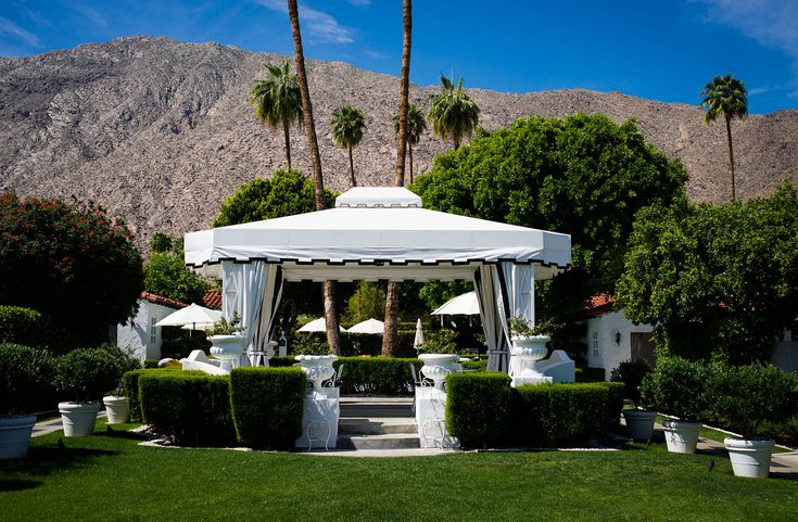 Avalon Hotel Palm Springs -. old-fashioned Hollywood-style and luxury at this new resort and spa in the desert near the San Jacinto Mountains.