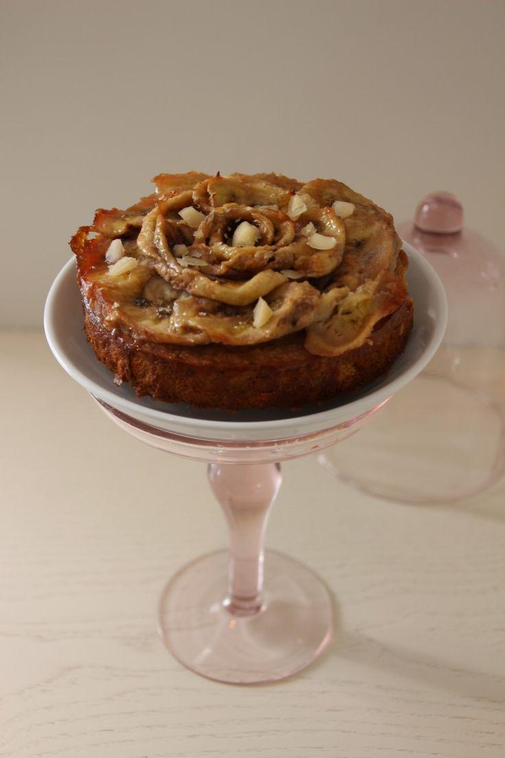 Het is alweer de laatste dinsdag van februari, tijd voor een Ontbijt Taartje! Dat betekent tevens ook de laatste dinsdag van de 'Ontbijt Taartjes Challenge'. Willen jullie deze categorie behouden op de site of zie je deze rubriek liever verdwijnen? Laat het mij weten! Eerder heb je de: Bosvruchten, Peer & Pistache,Snickers,Valentina, de Tutti …
