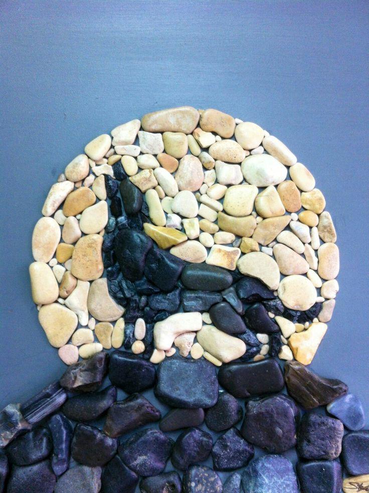 Wolf call howl a moon stone art