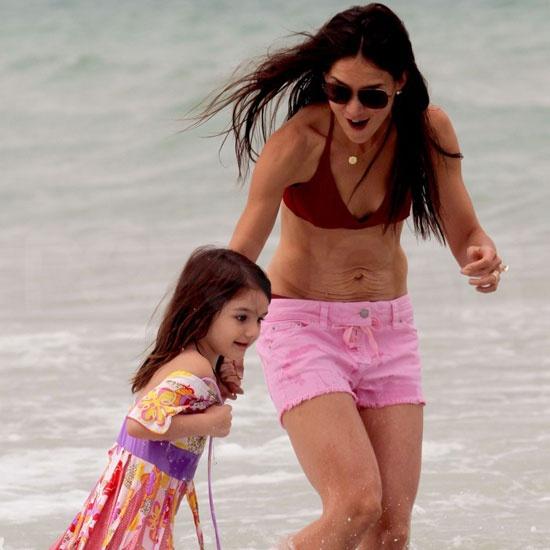 George and Elisabetta Split, Jennifer Cozies Up to Justin ...  Rachel Potter Bikini