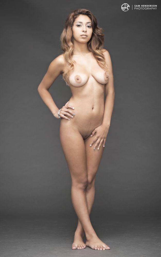 Model Nude Photo 18