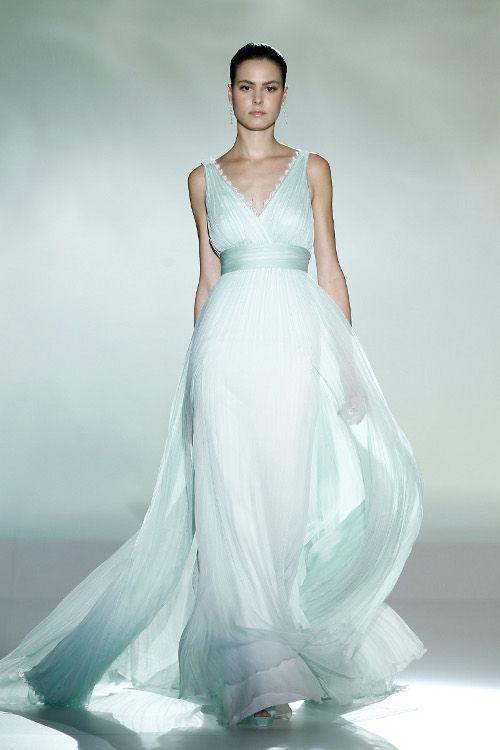 Abiti da sposa azzurri 2013