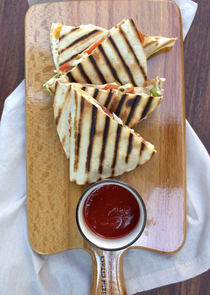 These chicken quesadillas were made in 5 minutes, and devoured in 2. No kidding.