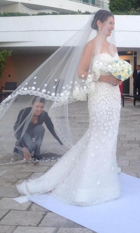 Oscar de la renta 44e10 size 8 wedding dress for sale for De la renta wedding dresses