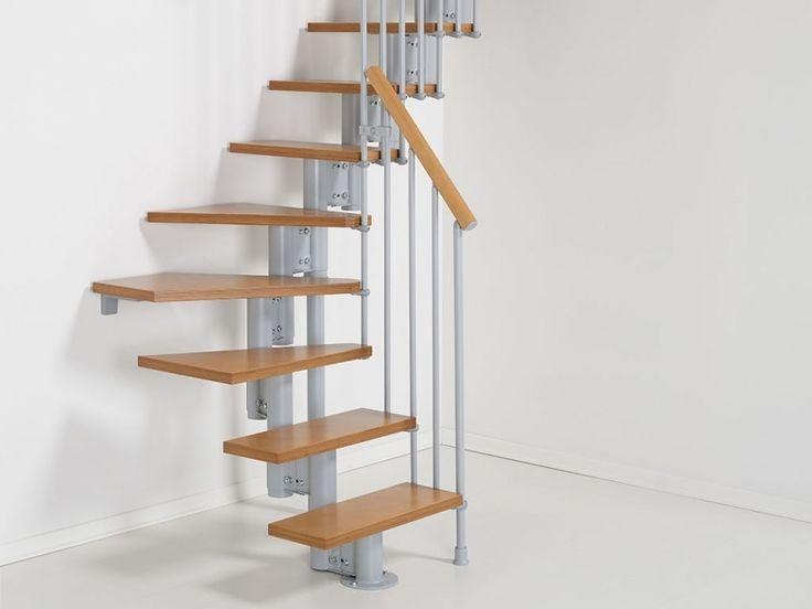 Meer dan 1000 idee n over kleine trap op pinterest zoldertrappen zolderopslag en beschilderde - Deco entree met trap ...