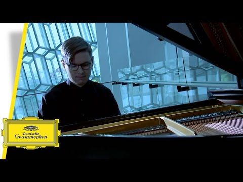 Following on in the tradition of their recordings of Philip Glass' music with Gidon Kremer and Daniel Hope, Deutsche Grammophon has now chosen the music of t...