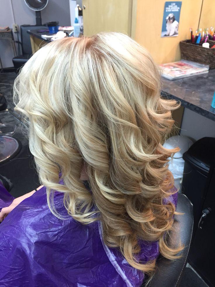 Carmel Blonde With Very Light Blonde Highlights Light