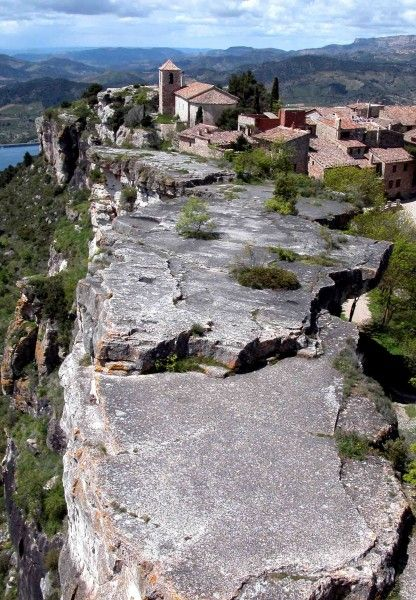 El pueblo de Siurana en el parque natural de Montsant, Tarragona. Catalonia
