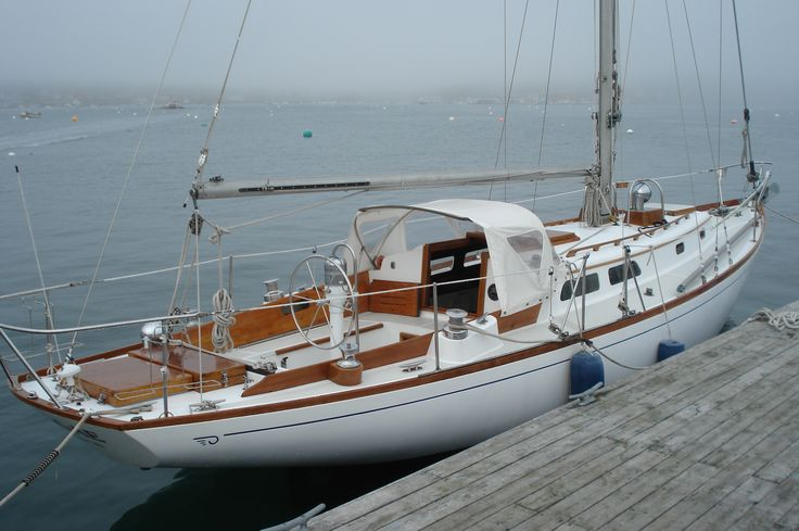 Sailboats | Used 35'9 HINCKLEY Cruising Sailboat 1966 - Southwest Harbor, ME ...