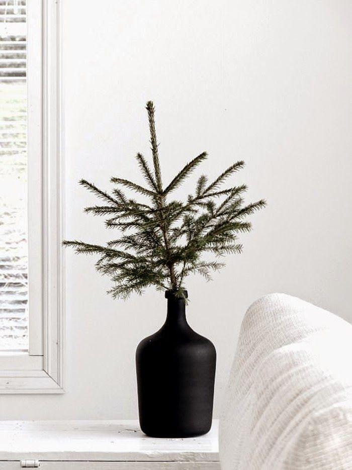 25 Fresh Holiday Season Decor + Entertaining Ideas