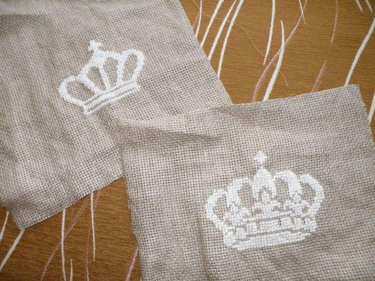 Schematy z bloga:  http://penelopisfreebies.blogspot.com/