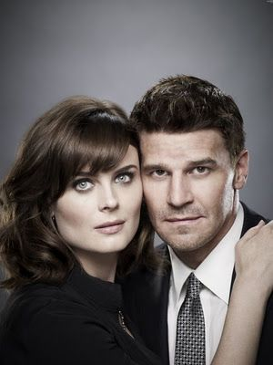 """Bones"" TV Show on FOX, TNT, WGN & MY Networks, that show it during the week, whether new or already viewed. From:  Promo de la octava temporada de Bones"