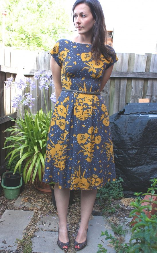 This is my second BHL Anna hack (first here), this time with S1419. The viscose is from Darn Cheap Fabrics - it handled well and feels lovely to wear.I lengthened the bodice by about an inch, and created a v-back neckline. I fiddled a bit with the skirt pleats to align them with the bodice. I...