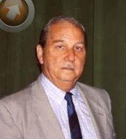 Julio Pérez (1936-2014), mi abuelo, y  creador del Exocet que impactó en el HMS Glamorgan el día 12/6/1982. Fue no sólo una excelente persona, sino un brillante y apasionado ingeniero a quien extrañaré siempre.
