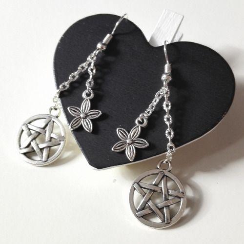Boucles d'oreilles supernatural witches sorcieres pentacles argentés idée cadeau geek