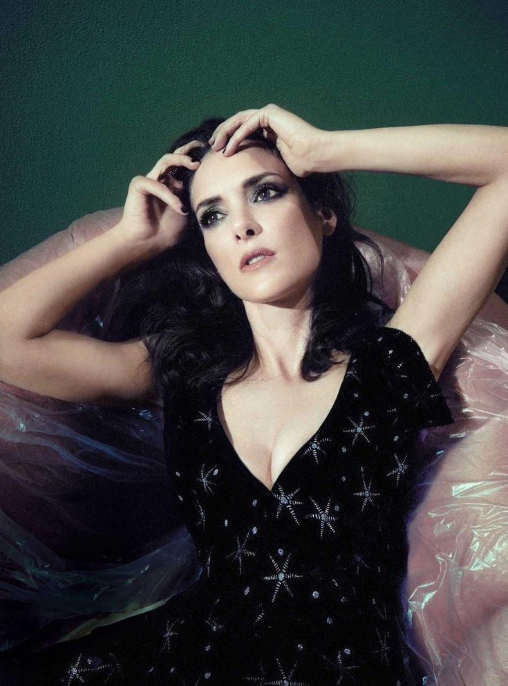 Winona Ryder In Valentino Photographed By Sofia Sanchez
