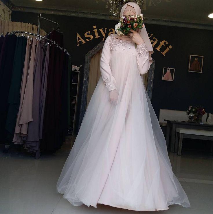 """1,527 Likes, 30 Comments - Для мусульманок, с любовью❤ (@asiya_salyafi) on Instagram: """"Дошила наконец-таки)) Платье больше на осень, а так как ткань не тонкая . Платье 8500₽ Шарф с…"""""""