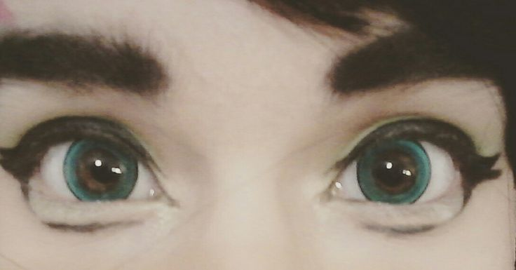 fem!Harry Potter cosplay green eyes aesthetic