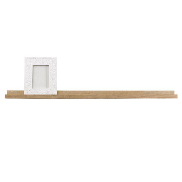 Deze Woood Studio wandplank is speciaal gemaakt voor fotolijstjes. Show zo jouw leukste foto's! Het smalle houten plankje biedt genoeg ruimte voor meerdere fotolijstjes. Je kunt er natuurlijk ook kaarten, tijdschriften of bijzondere boeken op zetten!