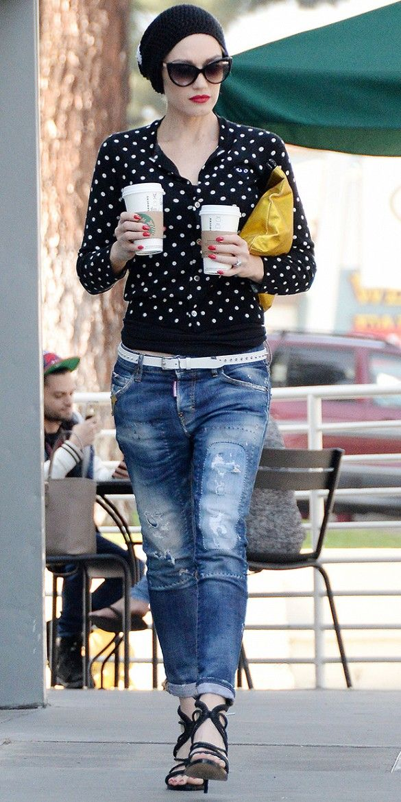 Gwen Stefani rolled jeans + polka dot sweater + lace-up heels