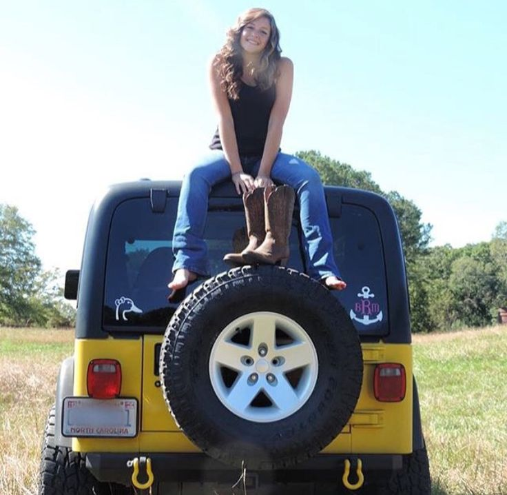 Senior Pictures with Jeeps