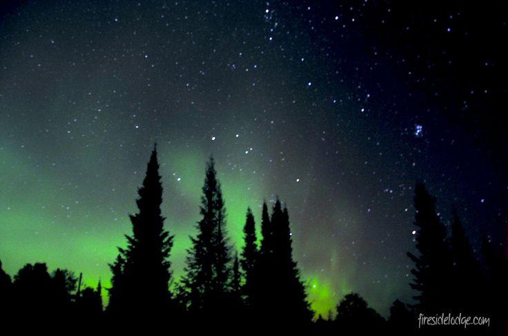 The Northern Lights danced among the stars on a beautiful autumn night. www.firesidelodge.com