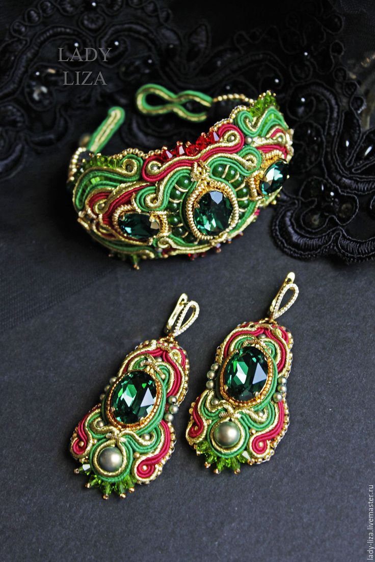 Купить Восточный браслет с изумрудами Swarovski, Карина, вышивка бисером - купить браслет ручной работы