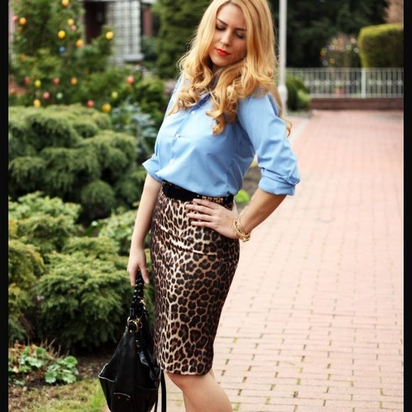 """Leopard Pencil Skirt Leopard Pencil Skirt. Worn a handful of times.  I have no measurements. I am 5'1"""" and it hits my knee. Adrienne Vittadini Skirts Pencil"""
