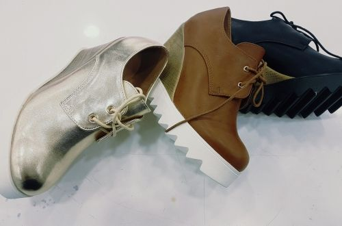 Γυναικεία παπούτσια τύπου oxford με πλατφόρμα.  http://handmadecollectionqueens.com/γυναικεια-παπουτσια-τυπου-oxford  #fashion #shoes #footwear type #oxford #storiesforqueens