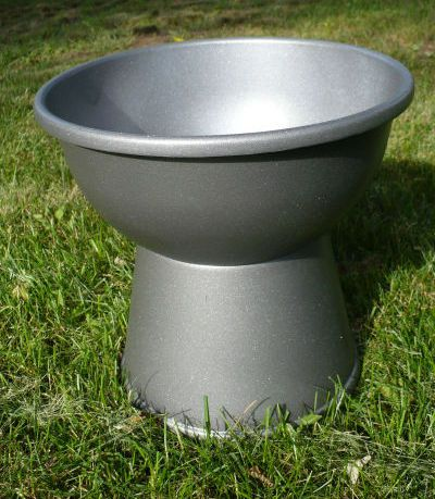 Dollar Store Crafts » Blog Archive » Make a Plastic Bowl Urn Planter    (I would paint this to look like stone)