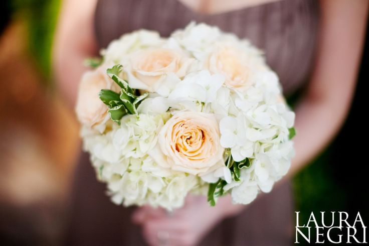 Love this for bridesmaids bouquet. Just a touch of peach and light green.