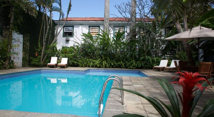 Pousada do Príncipe Paraty The traditional colonial-style Pousada do Príncipe features colonial-style architecture, enhanced by Paraty´s natural beauty. It is a 3-minute walk from Paraty historical centre and Pontal Beach. It offers an outdoor pool, breakfast and free Wi-Fi.