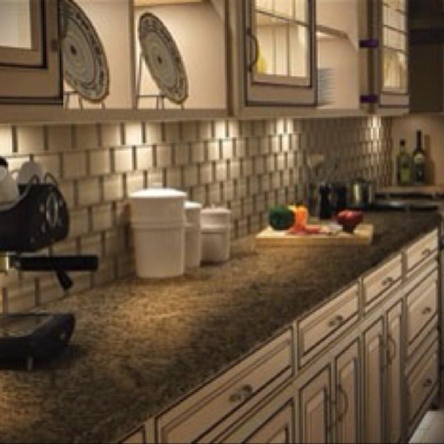 Kitchen - Under cabinet lighting!: Cabinets Lights, Lighting, Design Trends, Kitchens Lights, Kitchens Backsplash, Under Cabinets, White Cabinets, Kitchens Trends, Kitchens Cabinets