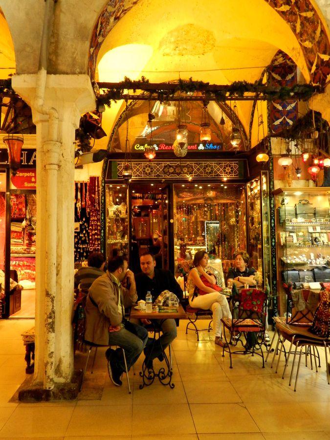Grand Bazaar + Cafe in Kapalι Çarșι Istanbul, Turkey -  by Estela Takahachi, via 500px