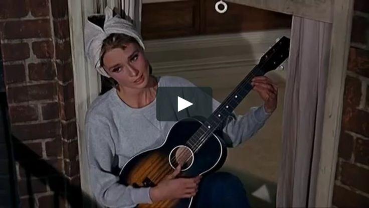 """Audrey Hepburn - Moon River (Breakfast At Tiffany's Soundtrack)"" de en Vimeo"