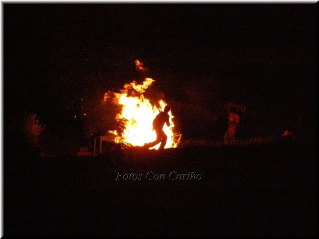 Fotos Con Cariño: San Juan 2012 en Cariño. (Lumaradas) 12 fotos.