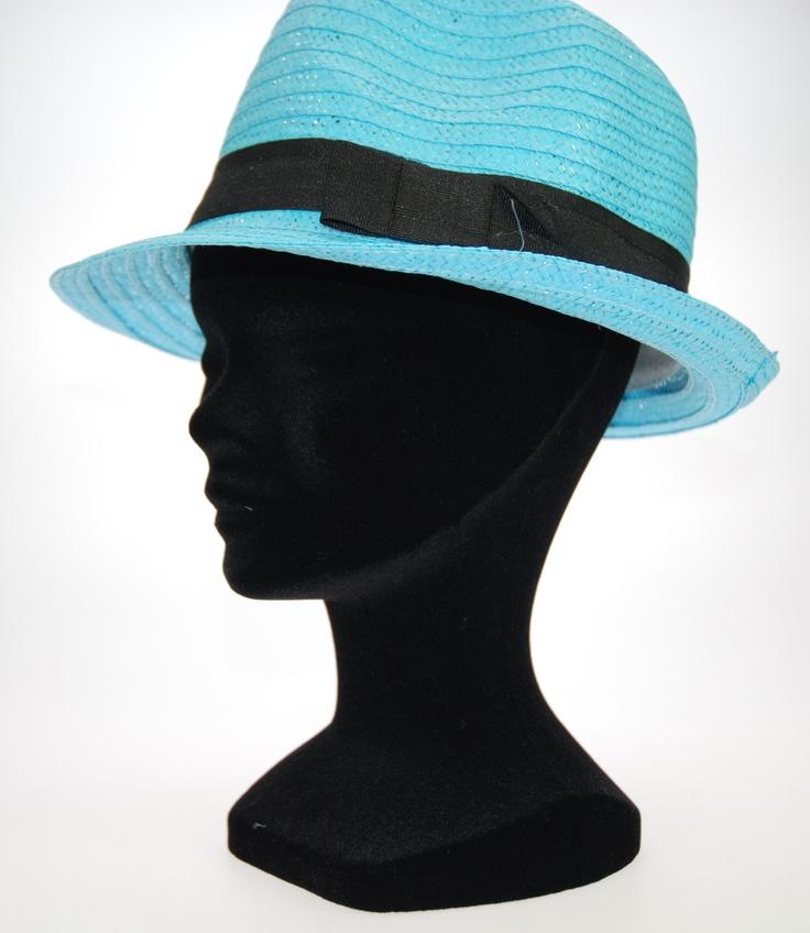 SOMBREROS SIPECUSA. 12 Sombreros surtidos de colores, con cinta negra rematada en lazo. Talla única. Referencia: 505051