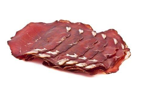 Брезаола (bresaola) — сыровяленая ветчина из говядины. Её родина — Ломбардия, долина Вальтеллина (Valtellina), окрестности городка Кьявенна (Chiavenna).