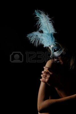 Sensation -  bellissima, bellezza, nero, tranquillità, mimetiche, carnevale, colore, abito, eleganza, occhio, make up occhi, viso, fantasia, moda, femmina, ragazza, oro, capelli, nascondersi, umano, isolato, giullare, dama, labbra, truccare, truccarsi, maschera, modella, mistero, festa, persone, ritratto, porpora, rosso, ruolo, sensualita, teatro, veneto, bianco, donna, giallo, giovani, adulto