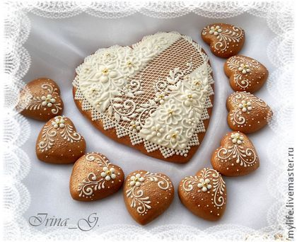 Culinary handmade souvenirs.  Fair Masters - handmade gingerbread hearts gift-white lace.  Handmade.