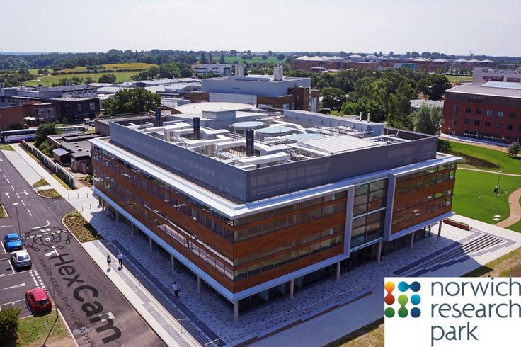 #Centrum with the rest of @NorwichResearch and the @NNUH behind. #innovation and #technology in #Norfolk! pic.twitter.com/7qb6uq45w0