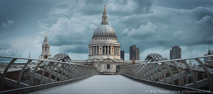 St Paul's Cathefral from Millennium Bridge London Panoramas - Will Pearson - Panoramic Photographer London