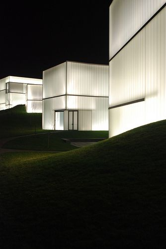 Nelson Atkins Museum, Steven Holl, Kansas City, Kansas. photo by marcteer via flickr