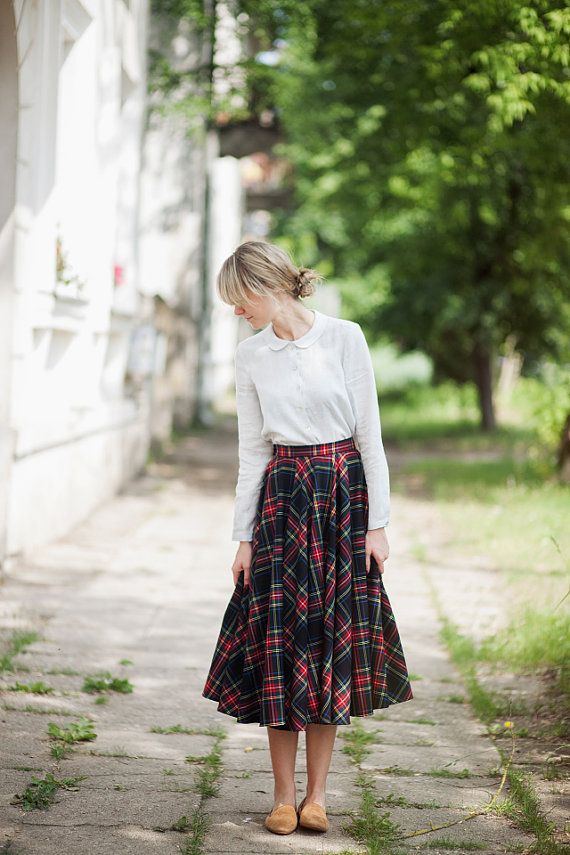 Tartan Skirt Dark Green and Red Scottish Tartan by SondeflorShop