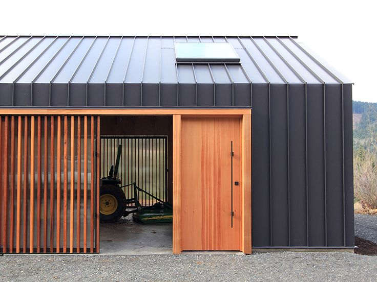 En dit is wat ik noem: De Schuur! And ... the best woodworking shed, or music hall, or painting atelier or .... So nice ....
