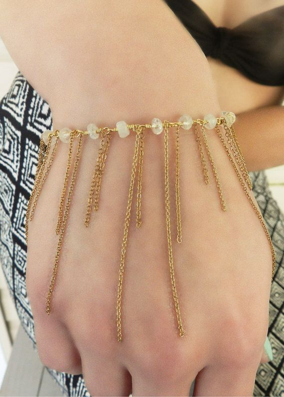 14kt Gold FIll shimmy bracelet. Light, airy and dainty. Can be stacked or layered with other dainty bracelets.