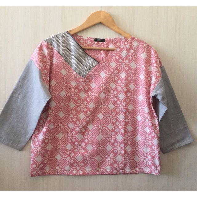 Saya menjual Atasn/blouse batik mix lurik seharga Rp119.000. Dapatkan produk ini hanya di Shopee! https://shopee.co.id/imanggoethnic/501192309 #ShopeeID