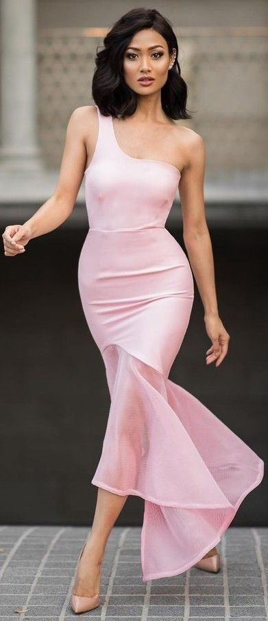 #Street #Fashion | Pink Night Out Dress, Nude Pumps | Micah Gianneli