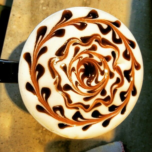 Cappuccino art #cappuccino #cappuccinoart #latte #latteart #chocolateart #sun #spiral #coffee