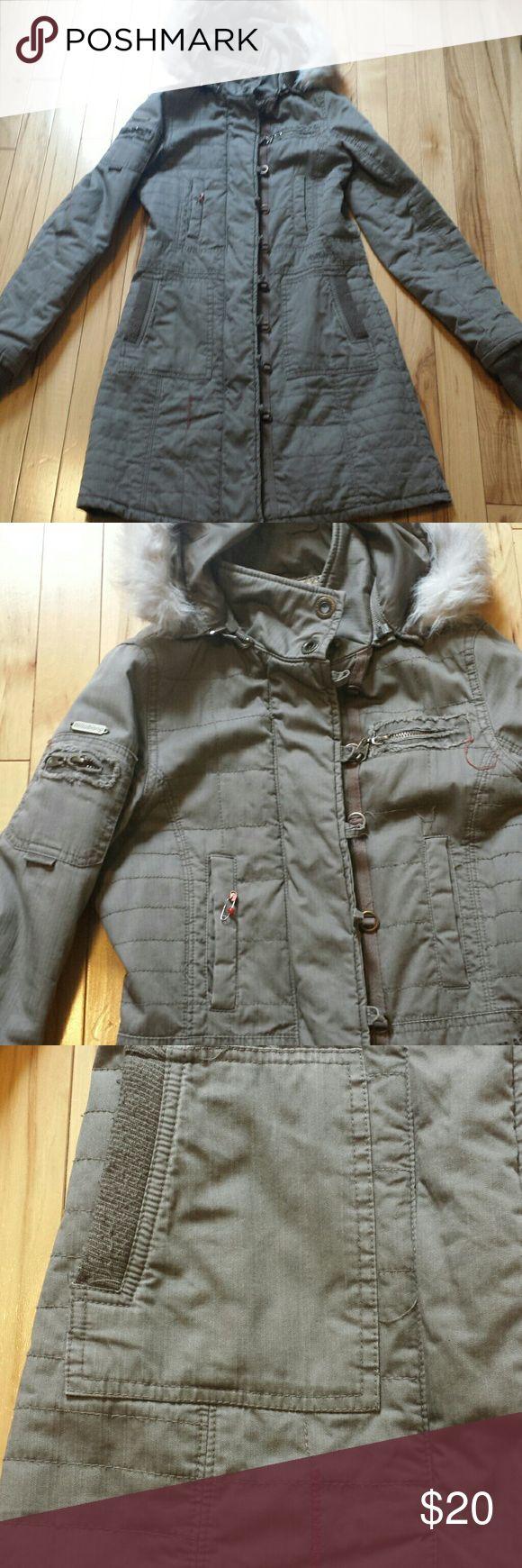 Billabong parka with faux fur trim hood Billabong parka with faux fur trim hood Jackets & Coats